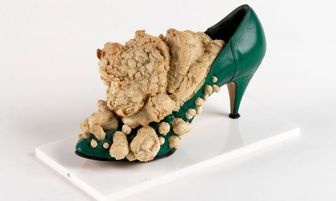 Woman's Bread Shoe, installation by Daniel Spoerri